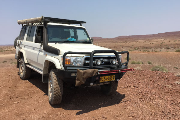 Explore-Namibia-Standard-vehicles-Standard-4x4-off-road